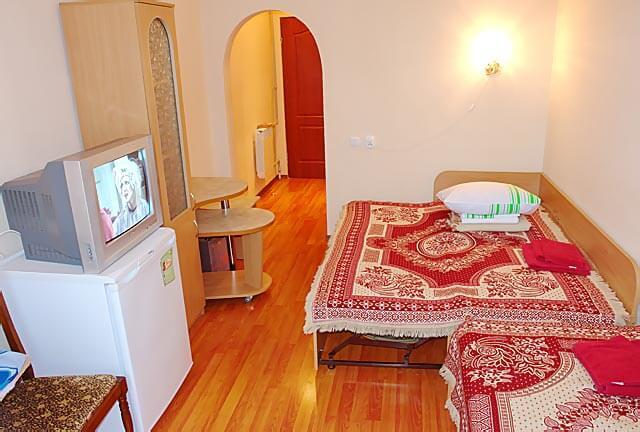Санаторий Молдова Трускавец - Номер двухместный улучшенный - Кровать.