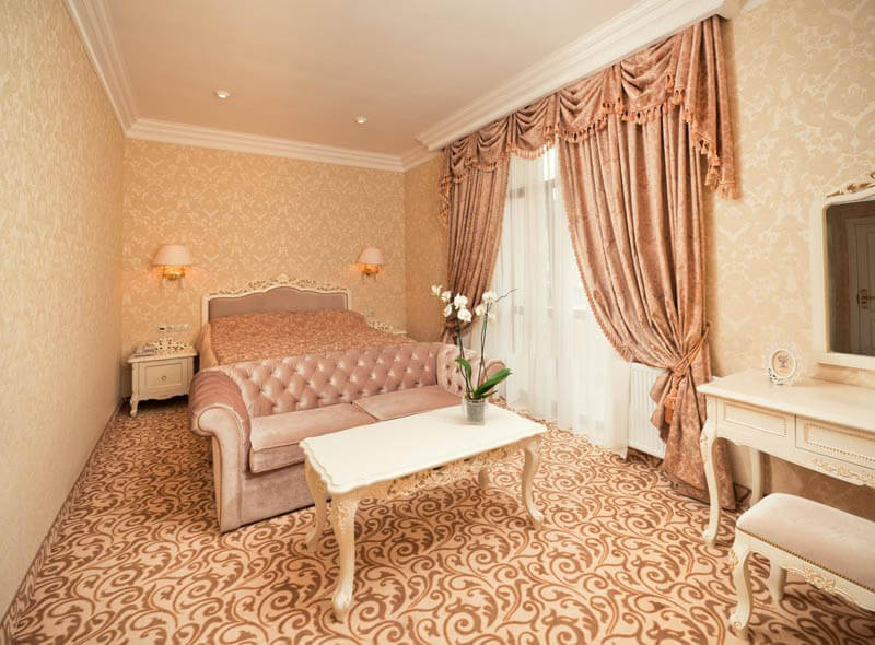 Женева Royal Grand Номер - JUNIOR SUITE - Кровать.