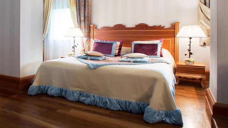 Риксос-Прикарпатье Фото - Номер апартаменты - односпальная кровать.