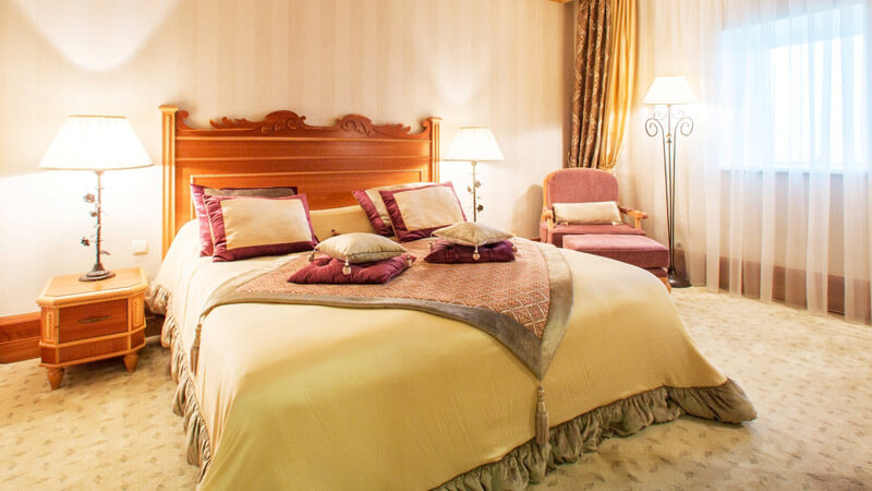 Риксос-Прикарпатье Фото - Номер апартаменты - Кровать.