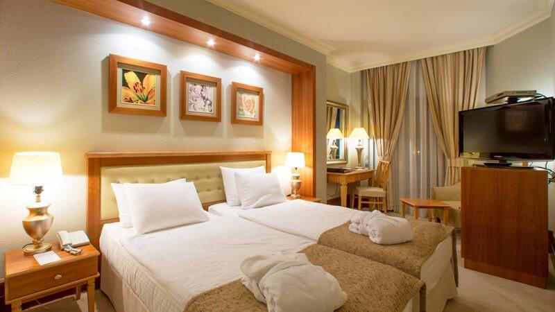Риксос-Прикарпатье Фото - Номер Классик - Две кровати.