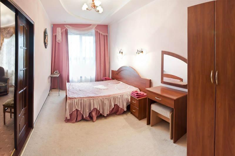 Санаторий Молдова Трускавец - Номер двухместный люкс - Спальня.