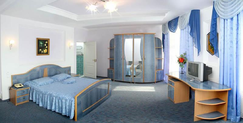 Санаторий Молдова Трускавец - Номер люкс 620 - Спальня.