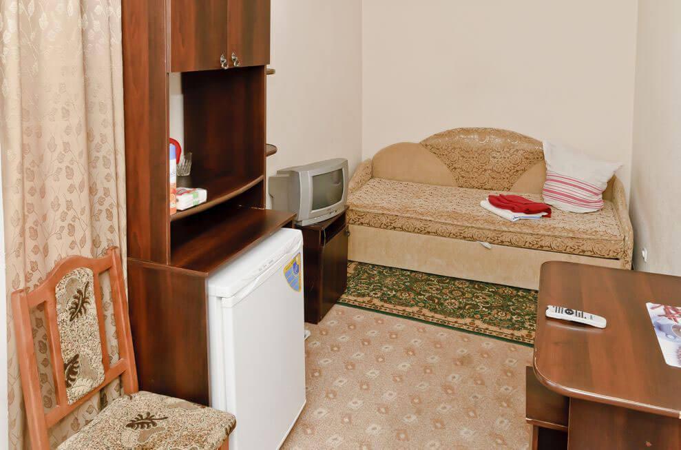 Санаторий Молдова Трускавец - Номер одноместный улучшенный - Кровать.
