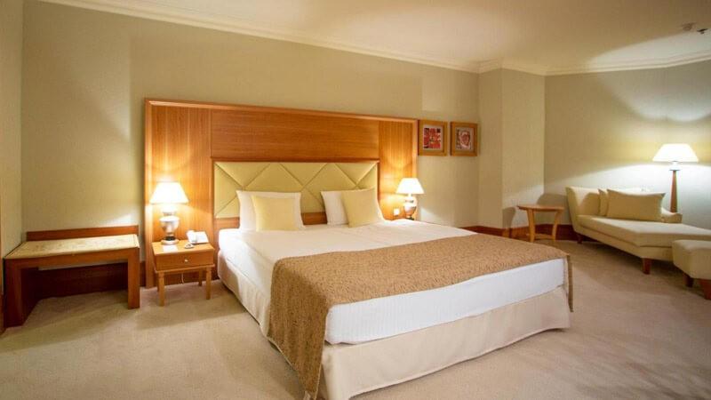 Риксос-Прикарпатье Фото - Номер панорамный люкс - Кровать.