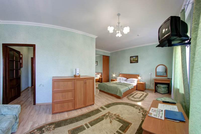 Санаторий Карпаты Трускавец Фото - Номер Полулюкс - В комнате.