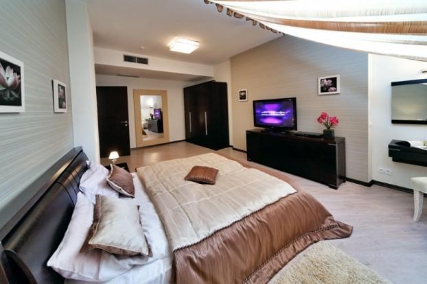 Шале Грааль Трускавец Номер - Queen Suite Apart - Кровать.
