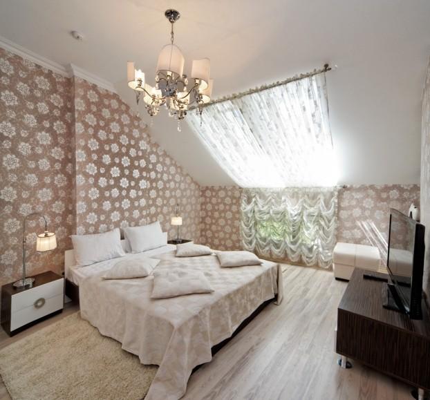 Шале Грааль Трускавец Номер - Queen Suite Apart - Двуспальная кровать.