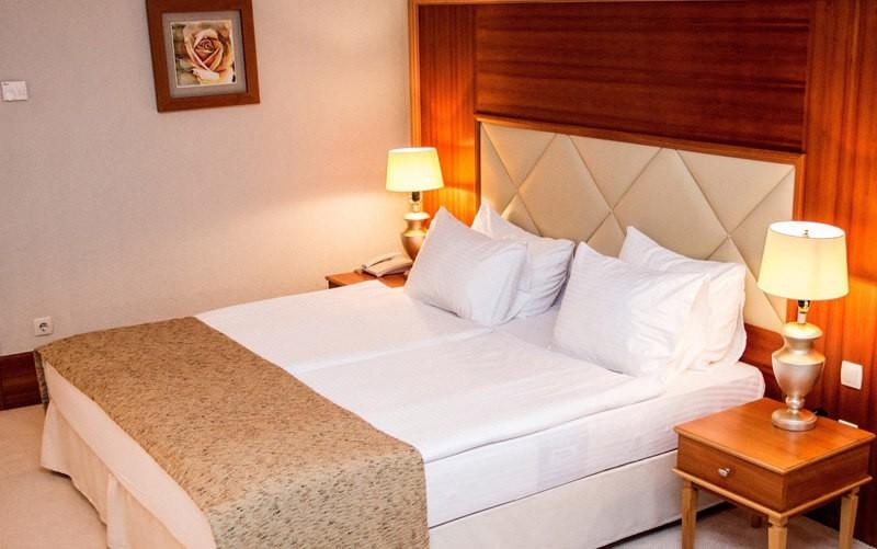 Риксос-Прикарпатье Фото - Номер улучшенный - Кровать.