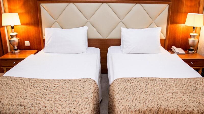 Риксос-Прикарпатье Фото - Номер улучшенный - две кровати.