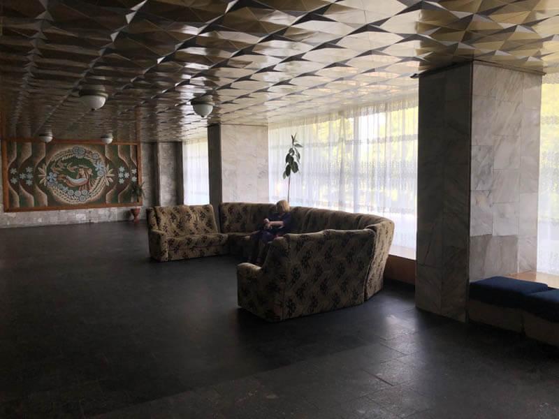 Санаторий Кристалл Трускавец Фото - диван.