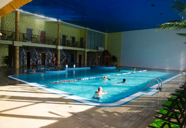 Санаторий Молдова Трускавец Фото - бассейн в спа.