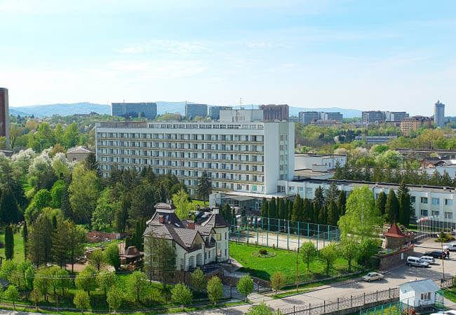 Санаторий Шахтер Трускавец Фото - Вид с воздуха.