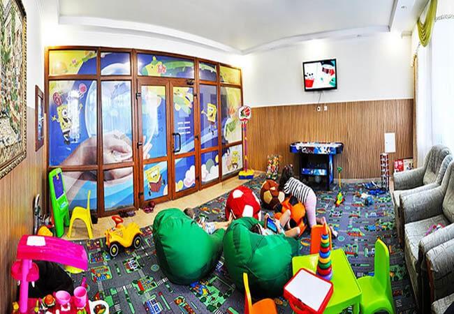 Санаторий Шахтер Трускавец Фото - детская комната.