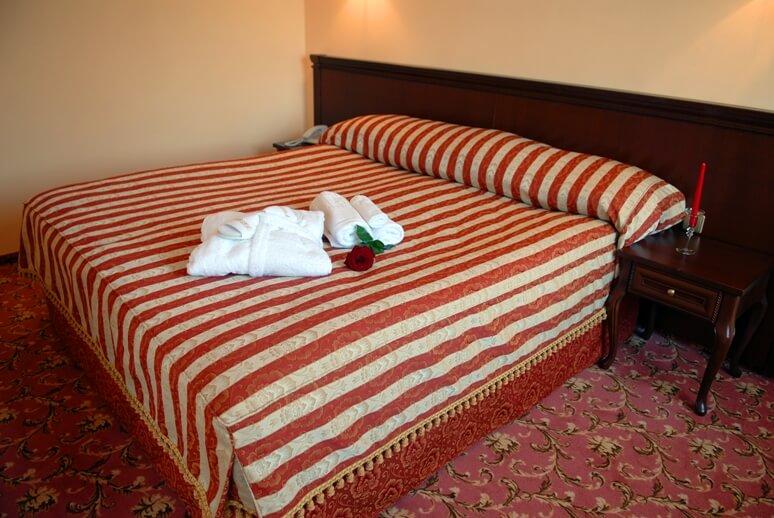 Женева CEZAR Номер - DOUBLE - Кровать.