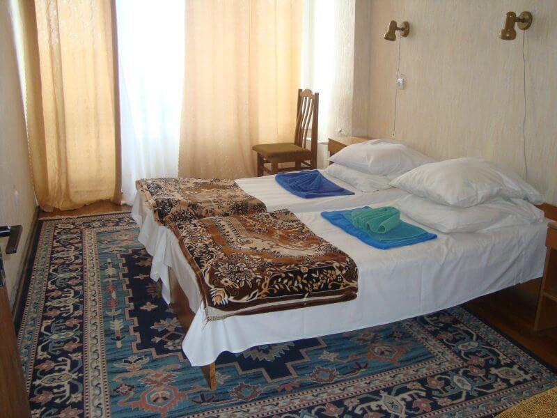 Санаторий Алмаз Трускавец Фото - Номер двухкомнатный стандарт - Кровать.
