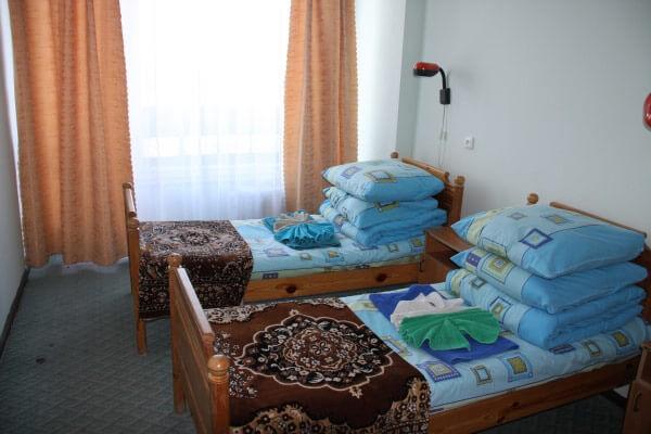 Санаторий Алмаз Трускавец Фото - Номер двухкомнатный стандарт - Кровати.