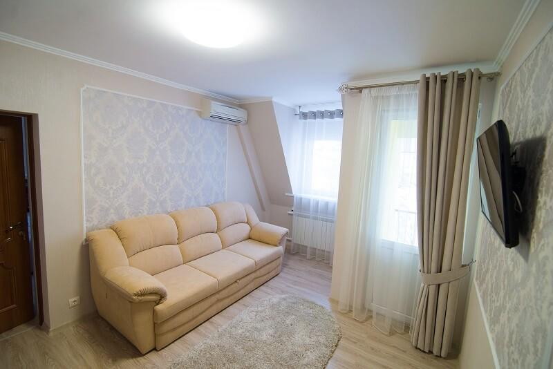 Санаторий Аркада Трускавец Номер - апартаменты - диван.