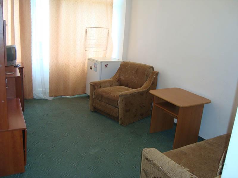 Санаторий Кристалл Трускавец Фото - номер двухкомнатный улучшенный - Кресло.