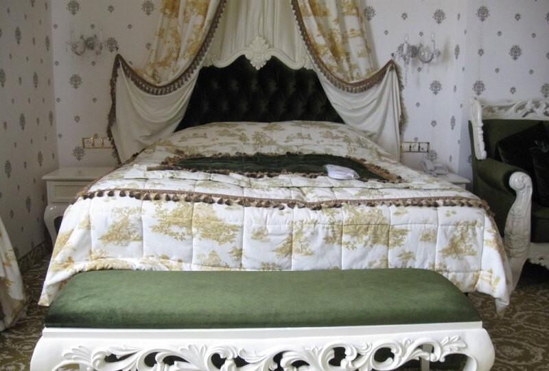 Женева Royal Grand Номер - VIP SUITE - Кровать.