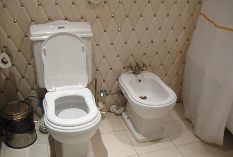 Женева Royal Grand Номер - VIP SUITE - туалет.