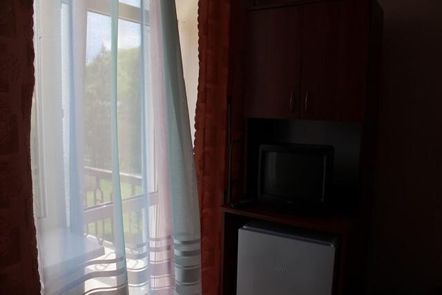 Солнечное Закарпатье Номер Одноком. 2месн. 1кат. - Холодильник.