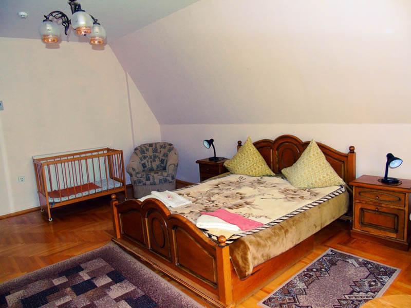 Санаторий Висак Номер апартаменты - Кровать.