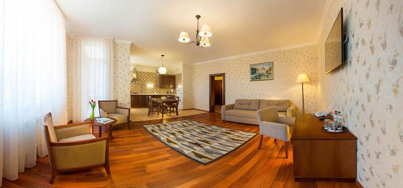 Деренивская Купель номер апартаменты - гостиная.
