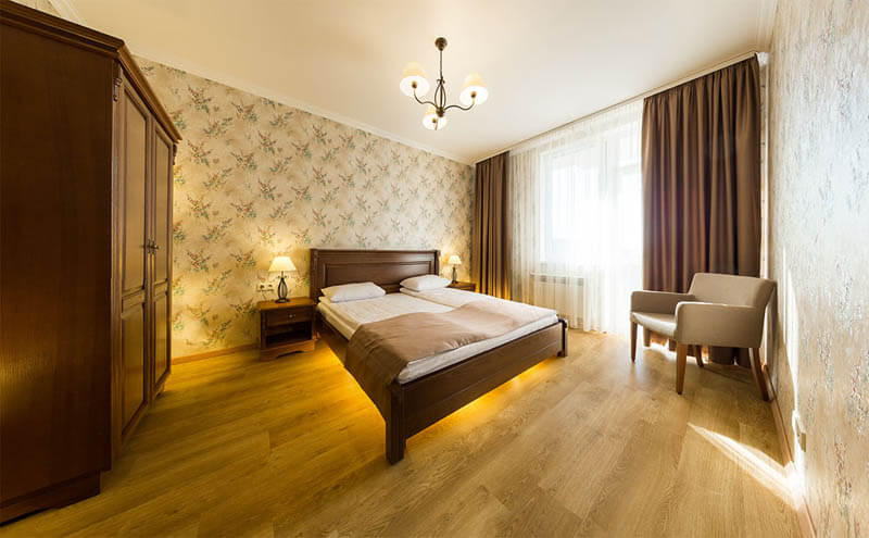 Деренивская Купель номер апартаменты - Кровать.