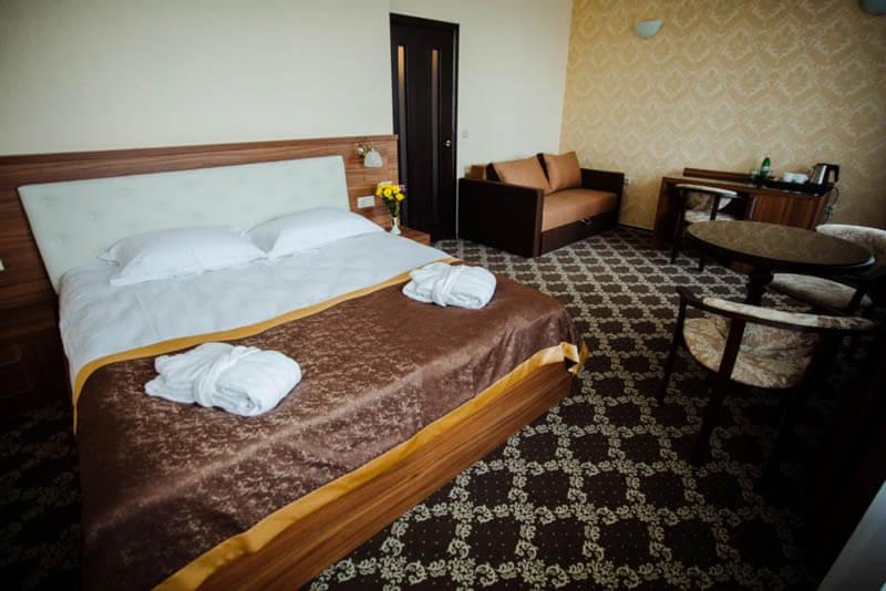 Кришталеве Джерело Номер Полулюкс 30 - Спальня.