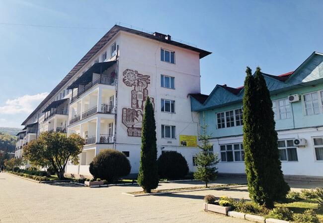 Солнечное Закарпатье - здание