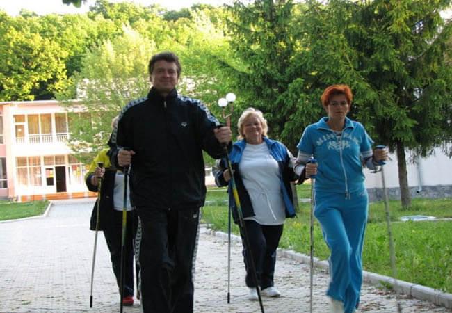 Санаторий Теплица Закарпатье Фото - скандинавская ходьба.