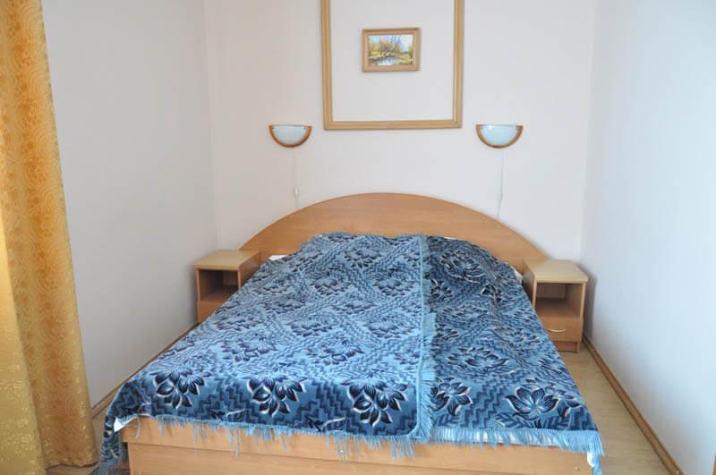Хрустальный дворец кровать