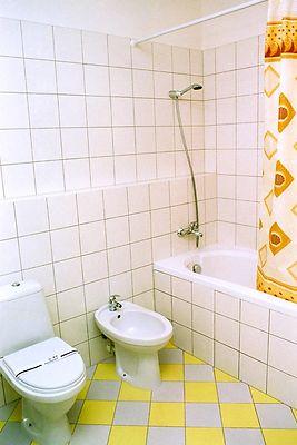 Отель Мариот Трускавец Номер - одноместный - Ванна.