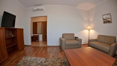 Отель РеВита Номер 2-комнатный люкс - Комплектация.