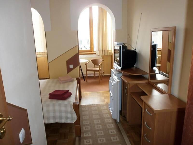 Отель Мальвы Номер 2-местный стандарт - Комплектация.