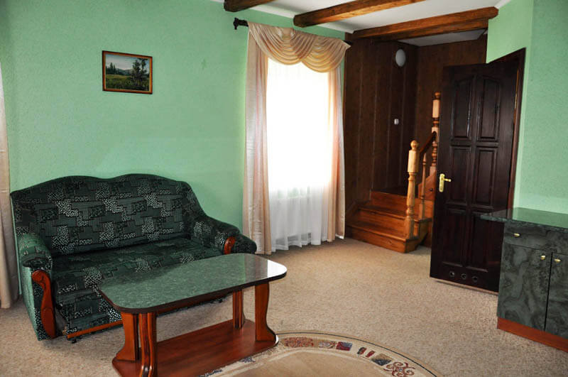 Ориана Трускавец Номер Люкс 3-комнатый - Гостиная.