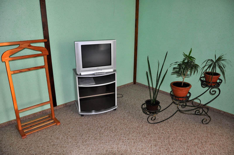 Ориана Трускавец Номер Люкс 3-комнатый - телевизор.