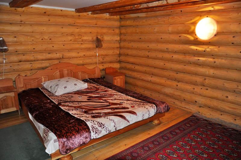 Ориана Трускавец Номер Суперлюкс - Кровать.