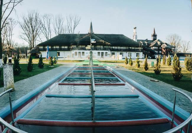 Иванчо Бирток Косино Фото - уличный бассейн.