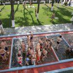 Иванчо Бирток Косино Фото - купание на улице.