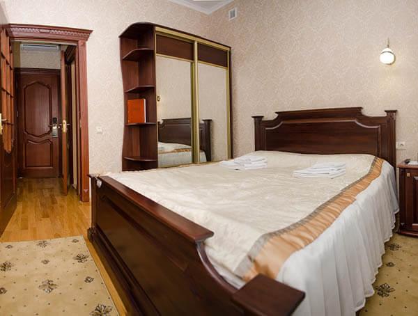 Отель Нафтуся номер стандарт - Спальня.