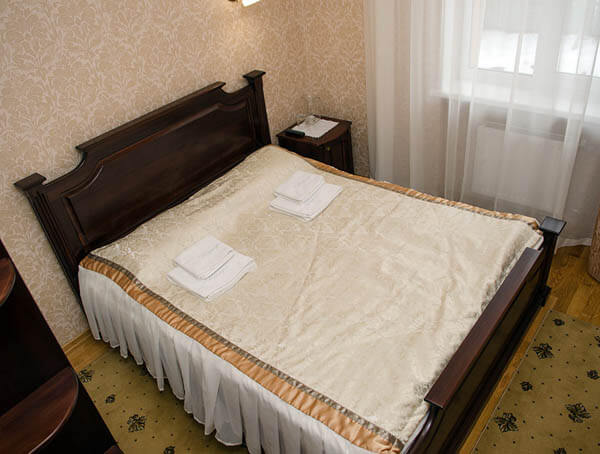Отель Нафтуся номер стандарт - Мебель.