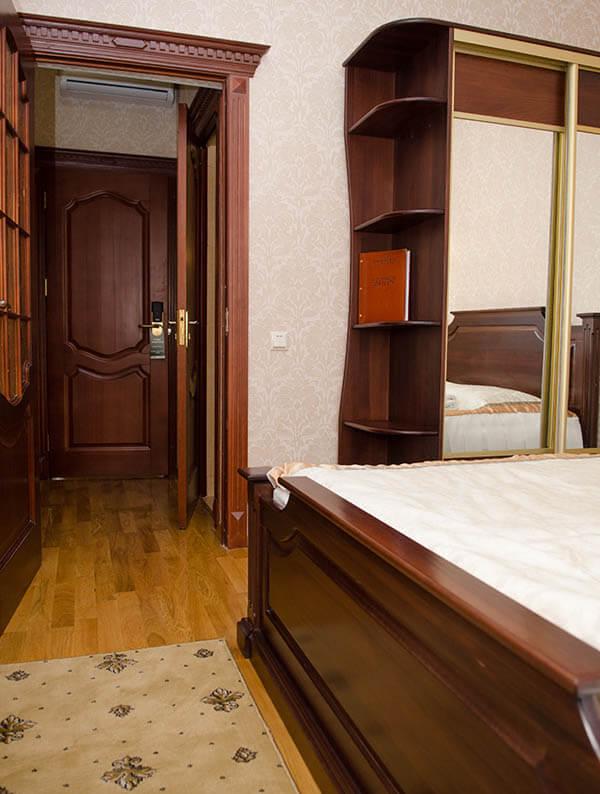 Отель Нафтуся номер стандарт - Комплектация.