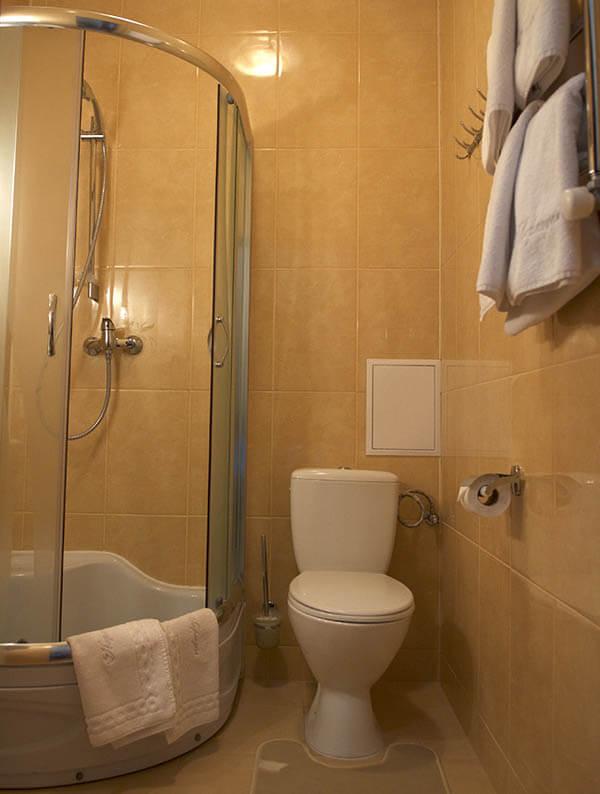 Отель Нафтуся номер стандарт - туалет.