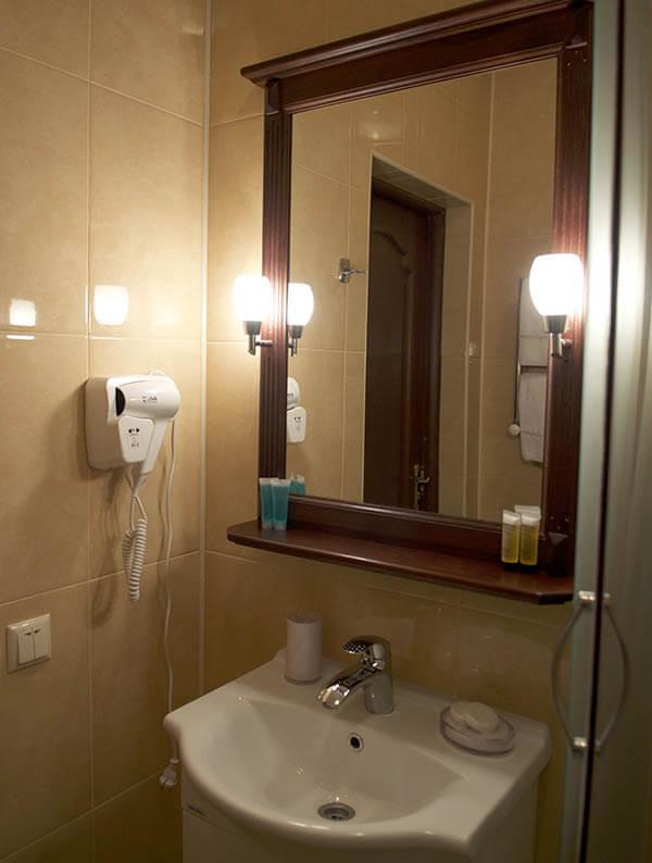 Отель Нафтуся номер стандарт - Зеркало.