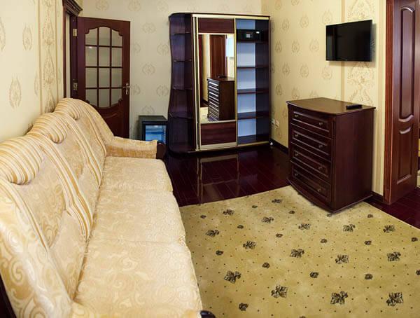 Отель Нафтуся номер супер люкс - Комната.