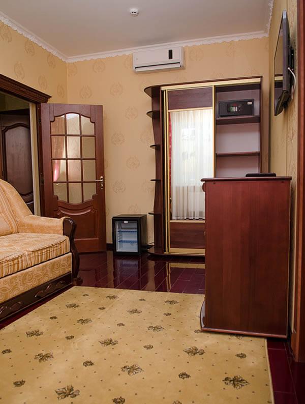 Отель Нафтуся номер супер люкс - Комплектация.