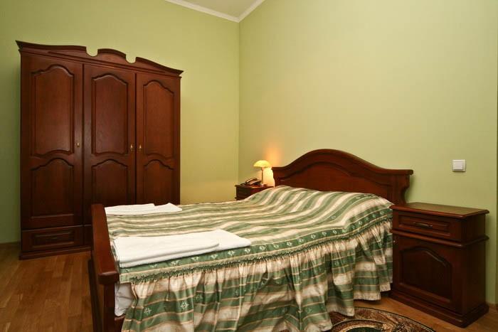Отель Парк Трускавец Номер Люкс Комфорт - Кровать.