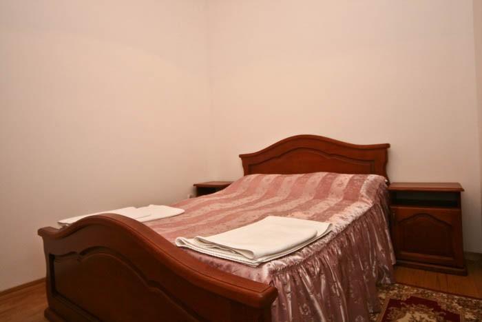 Отель Парк Трускавец Номер Полулюкс - Кровать.
